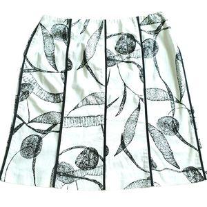 Insight women Skirt black white abstract flowers